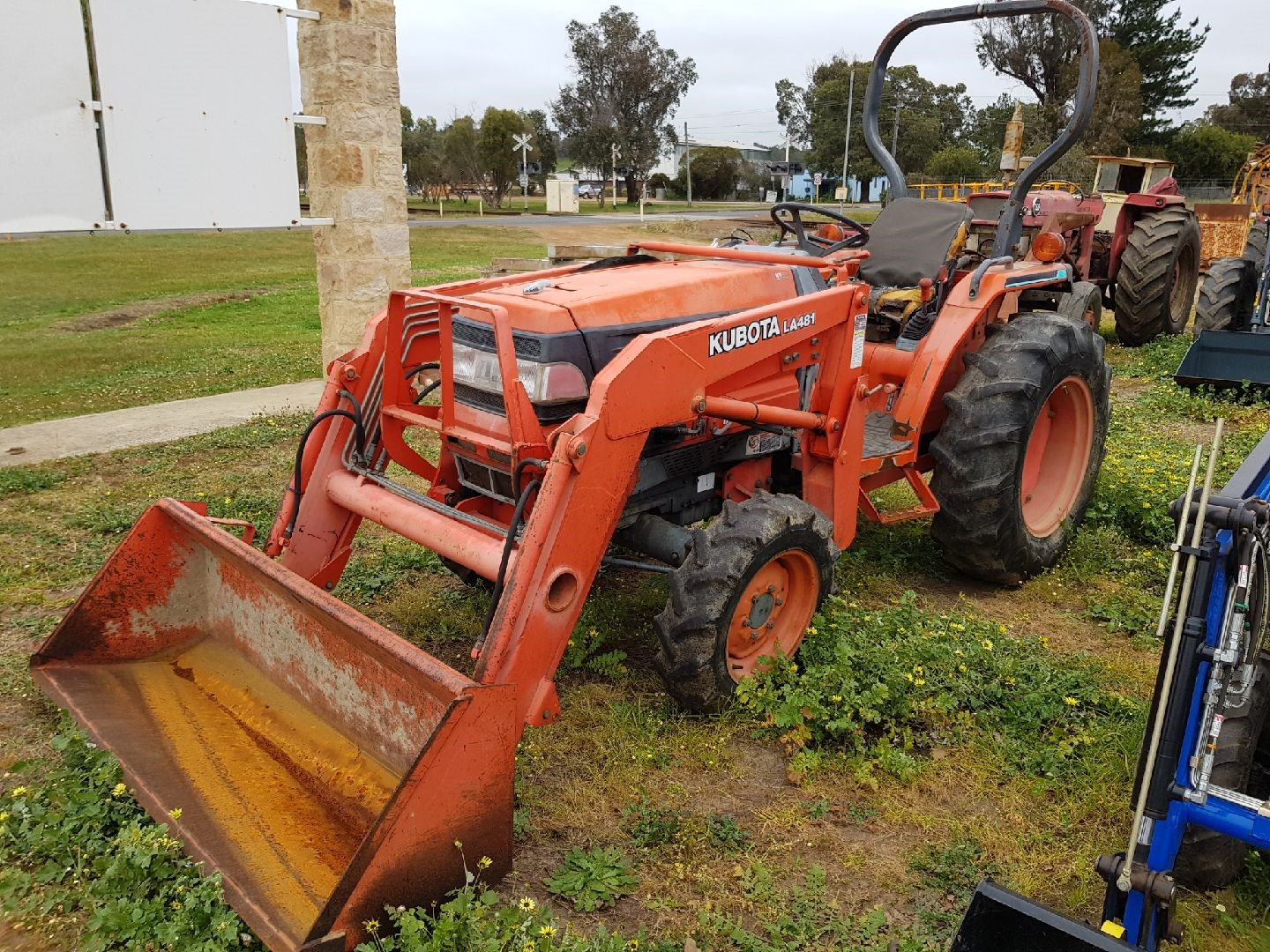 Used Lawn Tractor With Front Loader : Pre owned equipment tractors machinery west